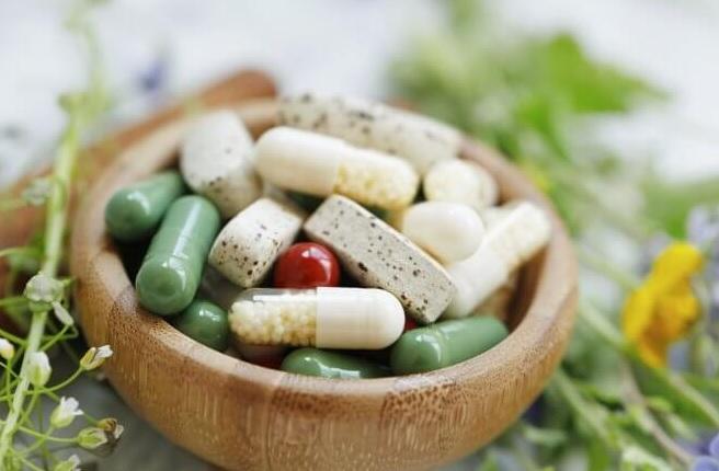 Jakie suplementy stosować w czasie diety tłuszczowej?