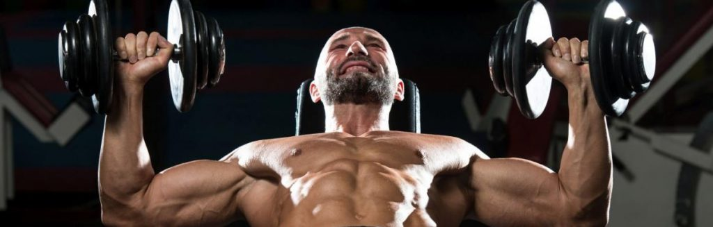 Trening klatki piersiowej - ćwiczenia mięśni piersiowych.