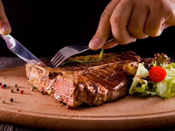 Białko wołowe czy stek?